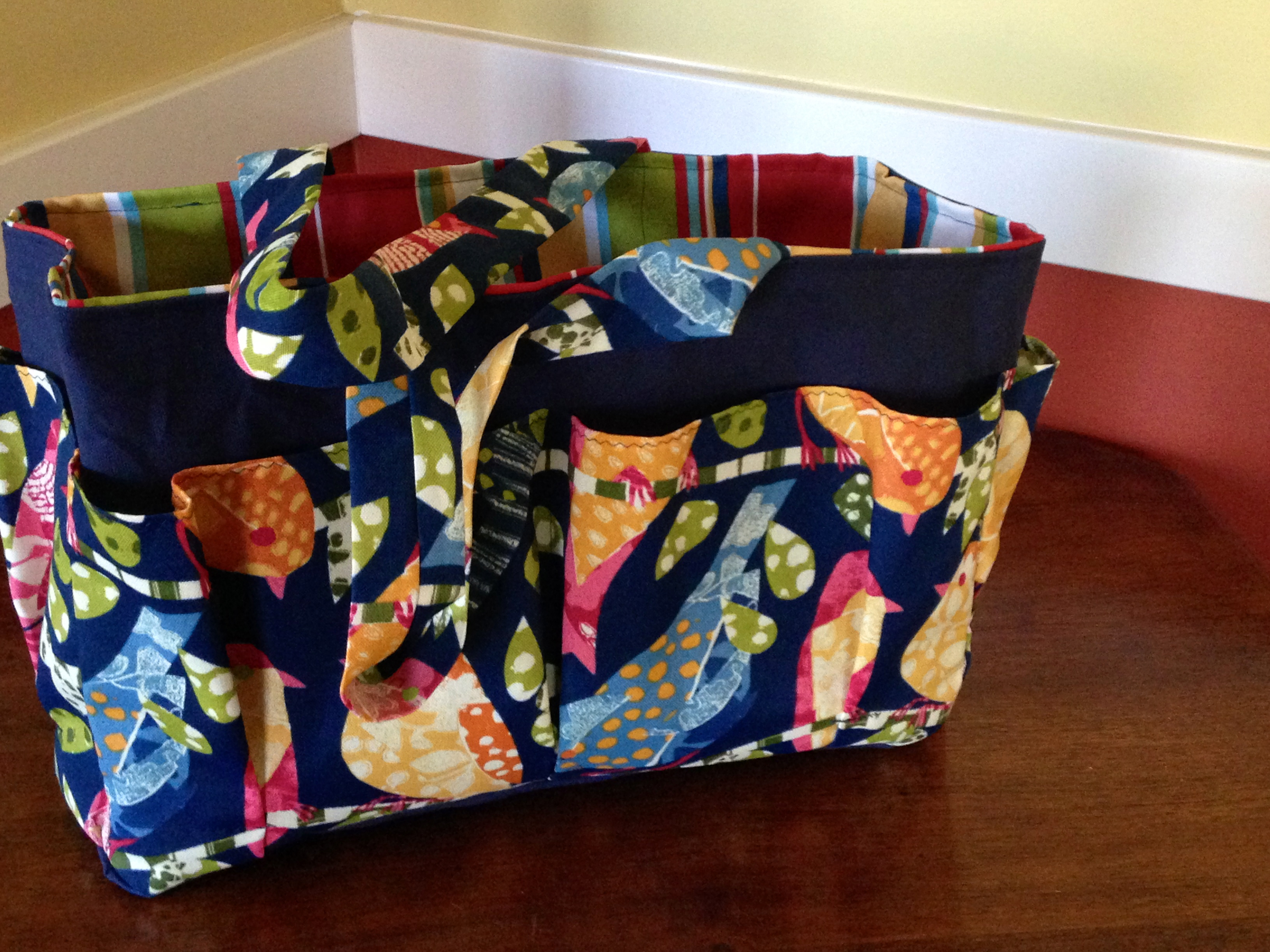 Beautiful Tote Bag with 6 pockets suitable for work, garden or ...